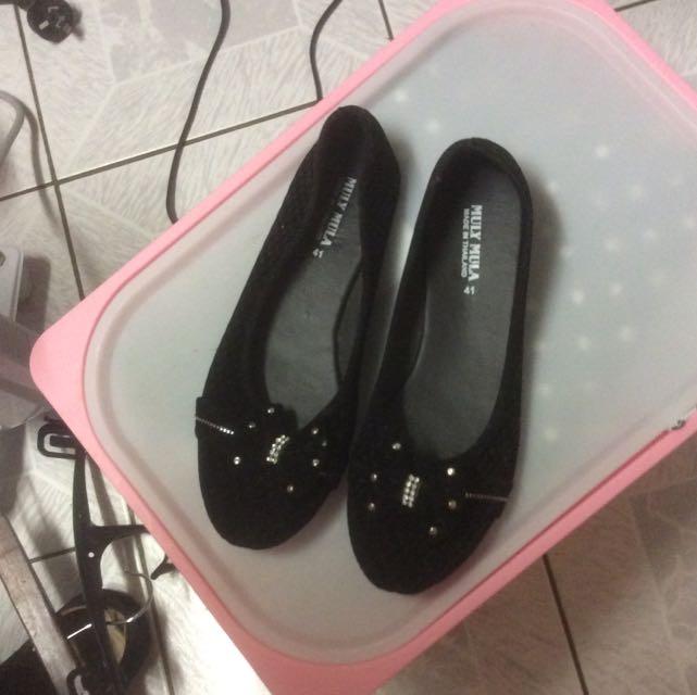 Black Velvet Ballet Flats