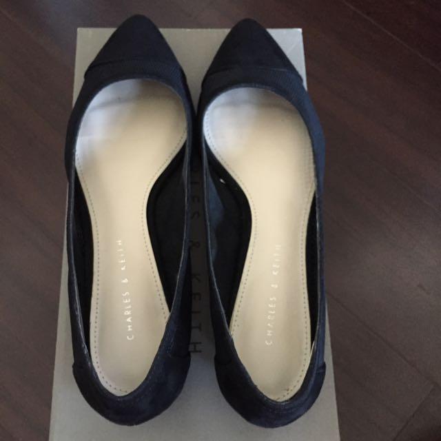 Charles & Keith 小ck 黑色低跟鞋 新加坡購入