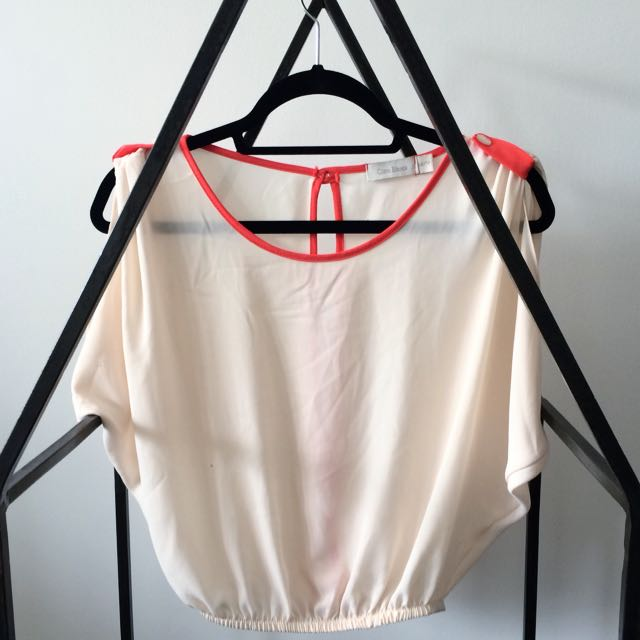 Cropped Open-Back Blouse (Beige With Coral)
