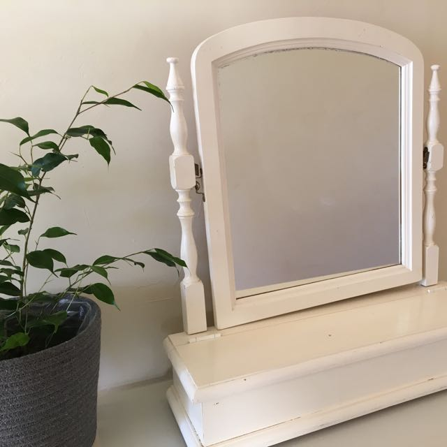 Dresser Mirror with storage