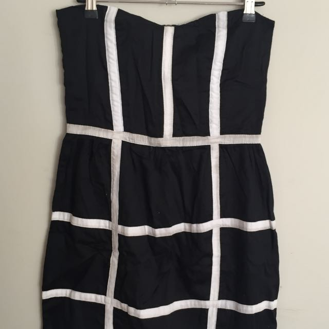 Finders Keepers Black And White Strapless Dress