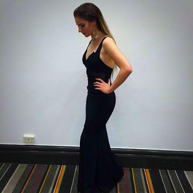 Gorgeous Sheike Formal Dress!