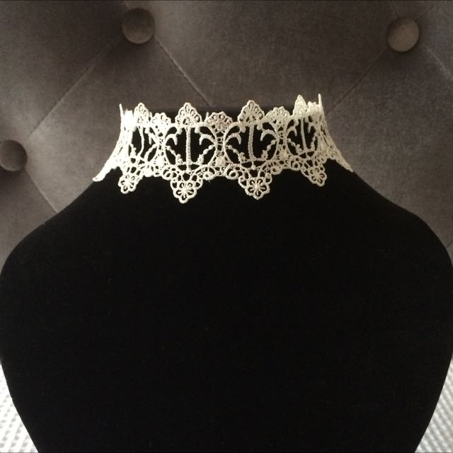 Crown Lace Choker Necklace