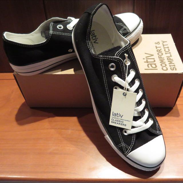 保留待匯款 lativ 低筒 黑色帆布鞋 US10號