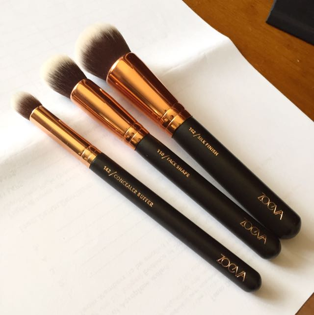 PRICE DROP: ZOEVA ROSE GOLD BRUSHES (Authentic)