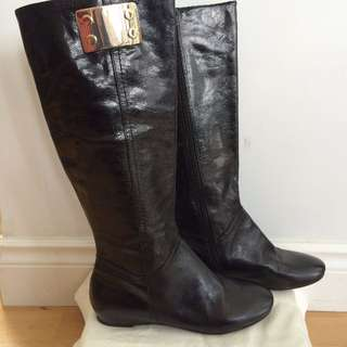REDUCED! FROM $140 NOW ONLY $25! NINE WEST BLACK LEATHER ROBA BOOT - SIZE 6 - NEVER WORN!