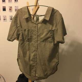 二手 韓版 墨綠襯衫式上衣 會小露鎖骨小露背