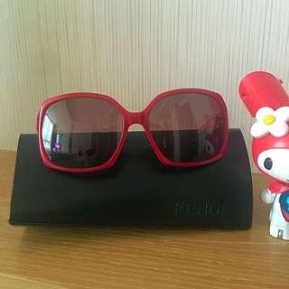 FENDI 艷紅太陽眼鏡 Sunglasses
