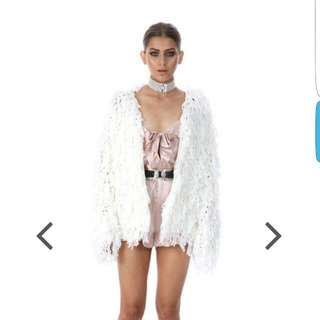 Verge Girl Whote Fluffy Jacket