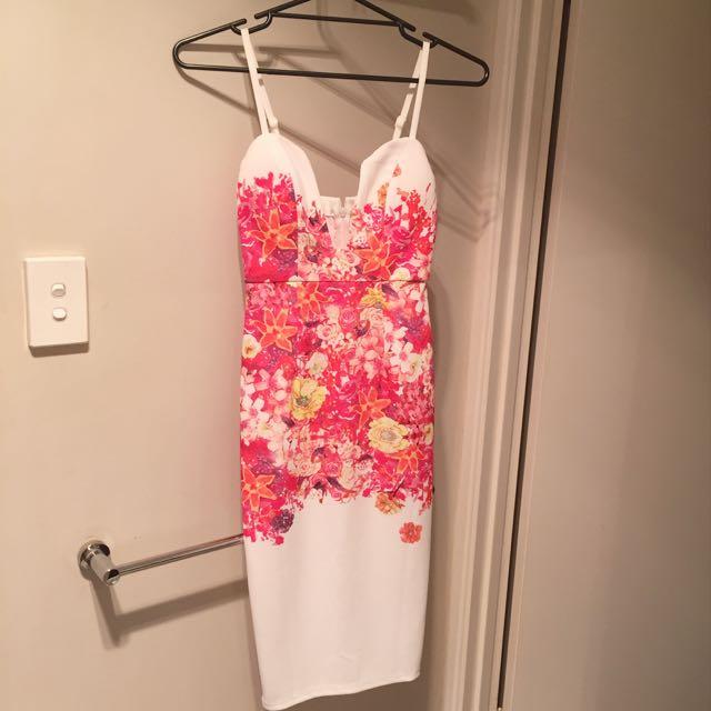 Asha floral body con dress