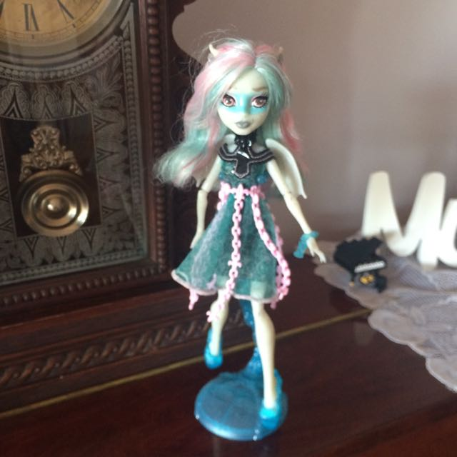 Monster High Haunted Rochelle Goyle