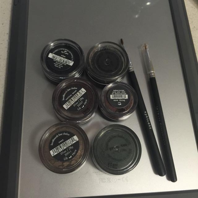 Powder Eyeliner + Brushes