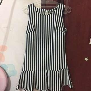 dress BW stripes