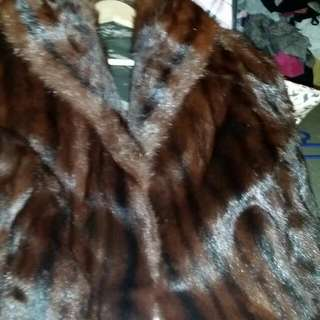 Genuine Limited Edition Fur Coat Cornelius Furs Original Was 1000 Bucks