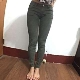 軍綠牛仔褲(s)