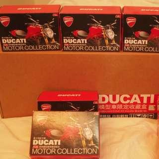 7-11 DUCATI 機車 模型車(全套含展示盒)