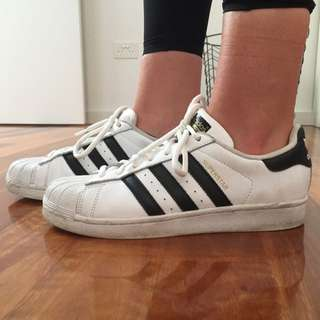 AUTHENTIC Adidas Originals Black And White Superstars SIZE: US 8