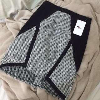 Brand New Temt Skirt Size 08
