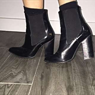 WINDSOR SMITH SIZE 6 PATENT BOOTS