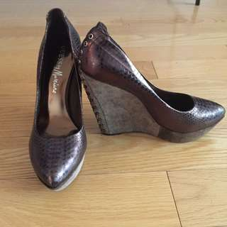 Marciano Size 8.5 Shoes