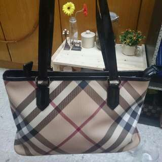 100% Authentic Burberry Nova Check Tote Bag
