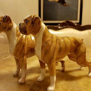 PAIR OF BOXER DOGS BY BESWICK (U.K.)