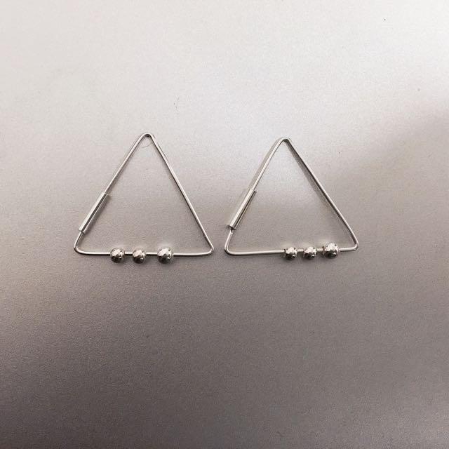 純銀三角小珠珠耳環