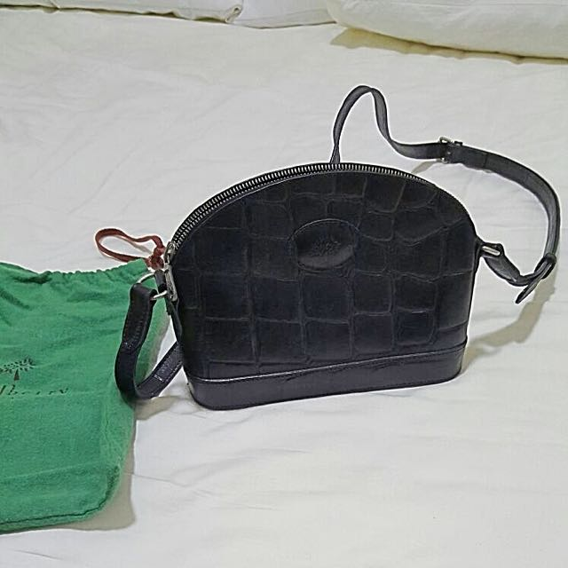 268bf88cde Authentic Vintage Mulberry Black Crocodile Skin Sling Bag