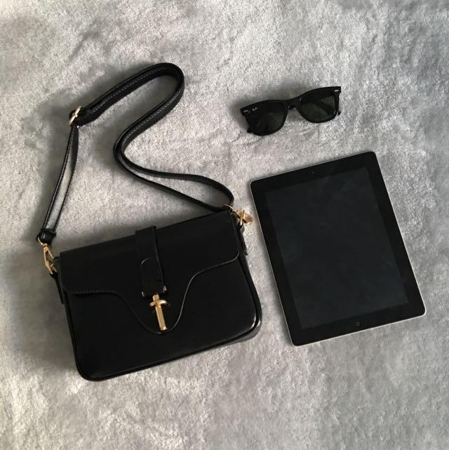 Chic Black Cross body Bag