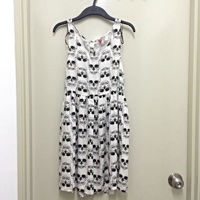 3c8f0de77f32 H&M skull dress, Women's Fashion on Carousell