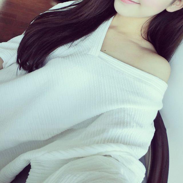 Korean style V neck T-shirt