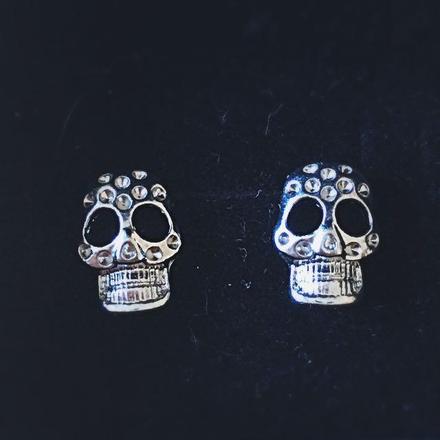 Lovisa Skull Earrings