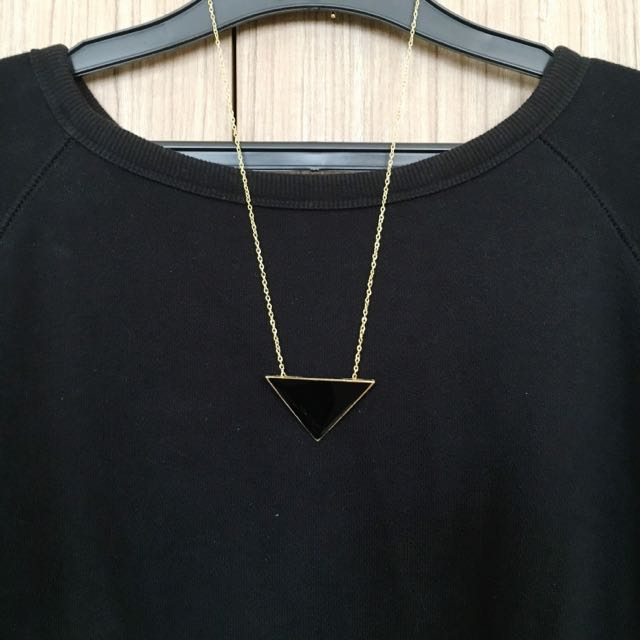The Triangle Necklace