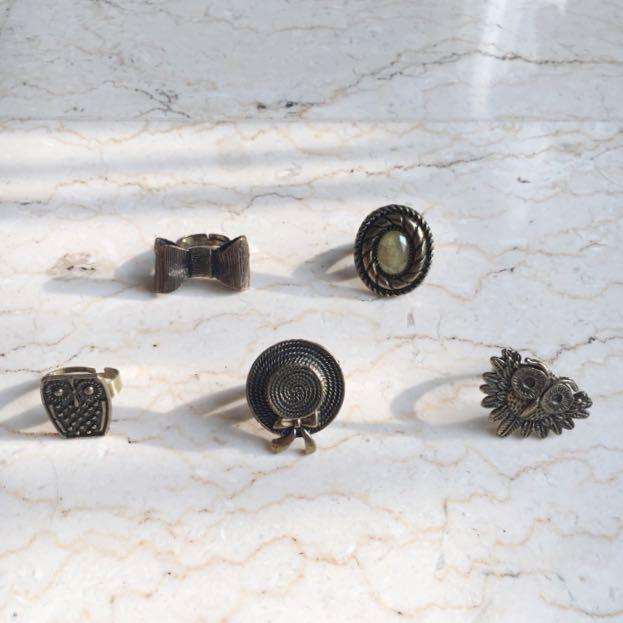 Vintage Series (Adjustable Ring)