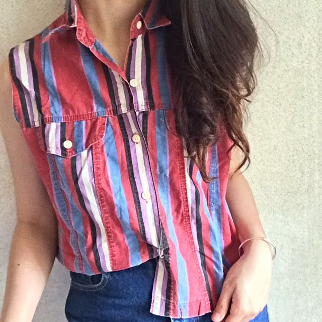 Vintage Sleeveless Button Down Top