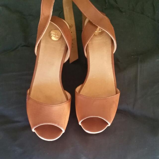 Zu Wedge Heels Size 6
