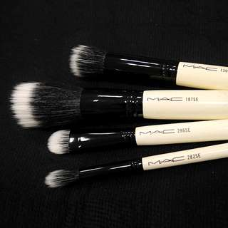 Sold Out - MAC makeup brush kit limited edition by Julie Verhoeven (original)