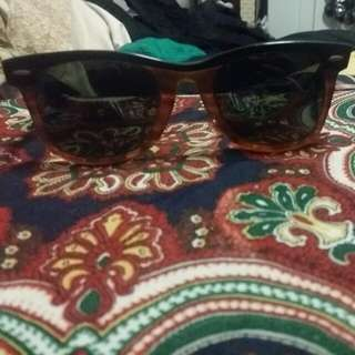 REDUCED Vintage Mens Ray-Ban Wayfarer - Brown And Black Resin