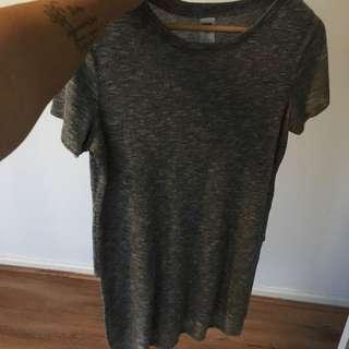 Kmart T-shirt Split Sides (size 10)