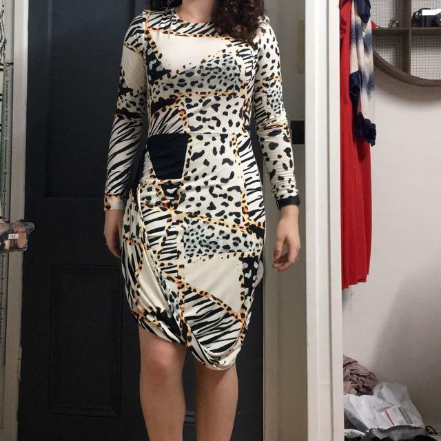Isla By Talula Size M Wrap Style Midi Dress