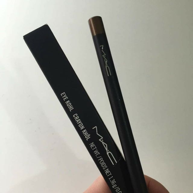 MAC EYE KOHL (POWERSURGE)