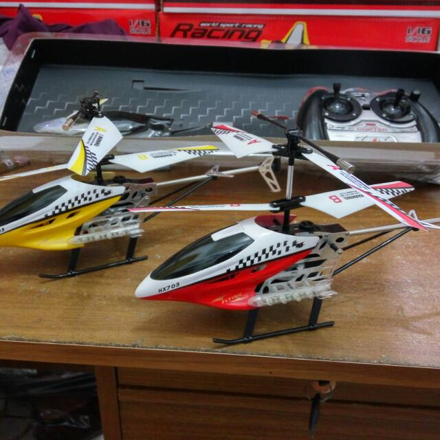 Pesawat Helicopter Remote Control Model V Max Alloy Model Hx703