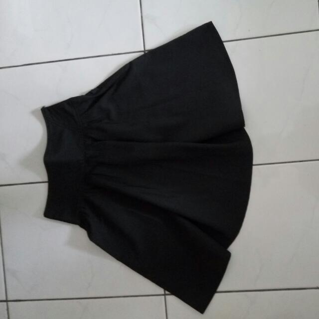Rok Highwaist Hitam