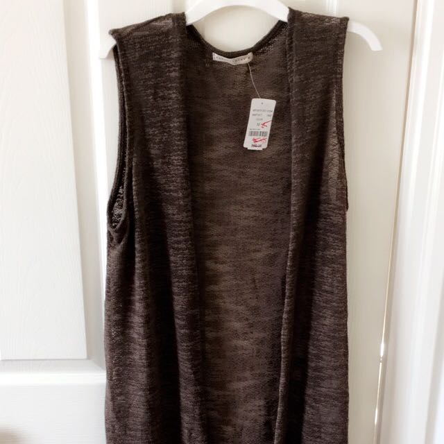 Sleeveless Full-length Cardigan
