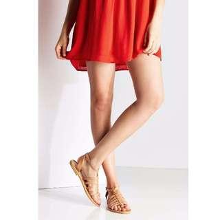 UO真皮羅馬涼鞋8號 約24.5-25cm 可穿