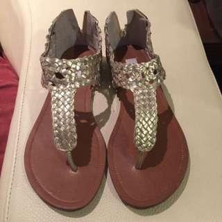 STEVE MADDEN涼鞋