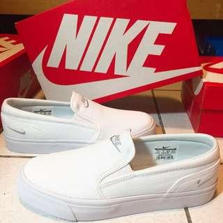 Nike 懶人鞋 白