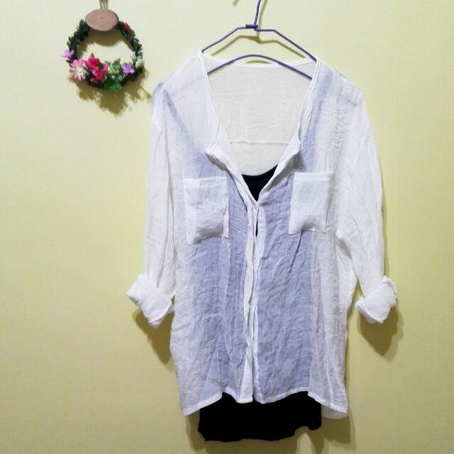 保留)全新韓國購入透明清透白襯衫+細肩帶黑背心*組合賣只要50