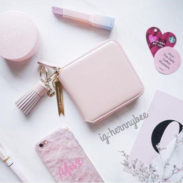 粉色方形錢包