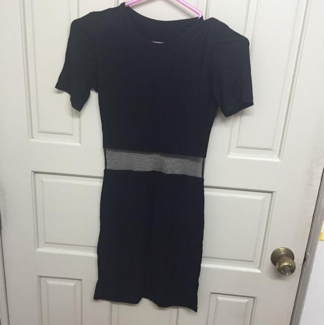 露腰貼身長洋裝